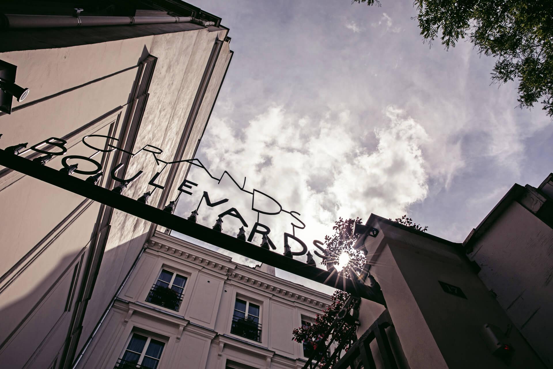 panneau hôtel des grands boulevards paris