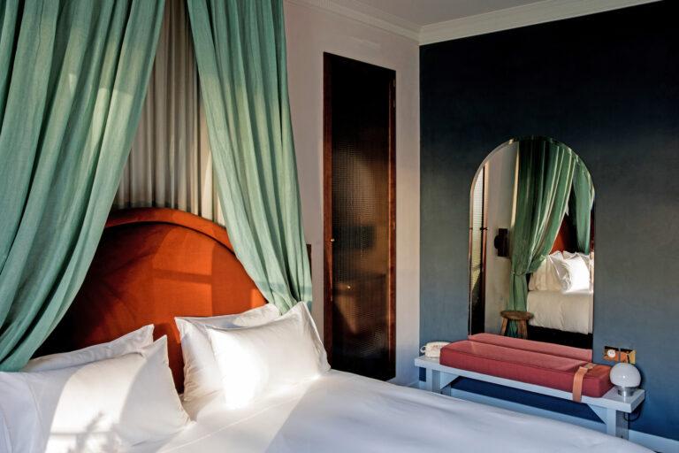 chambre uzes hôtel des grands boulevards paris