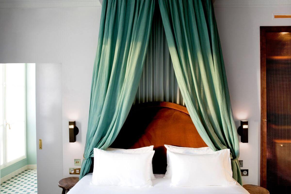 chambre uzes hôtel des grands boulevards paris 1