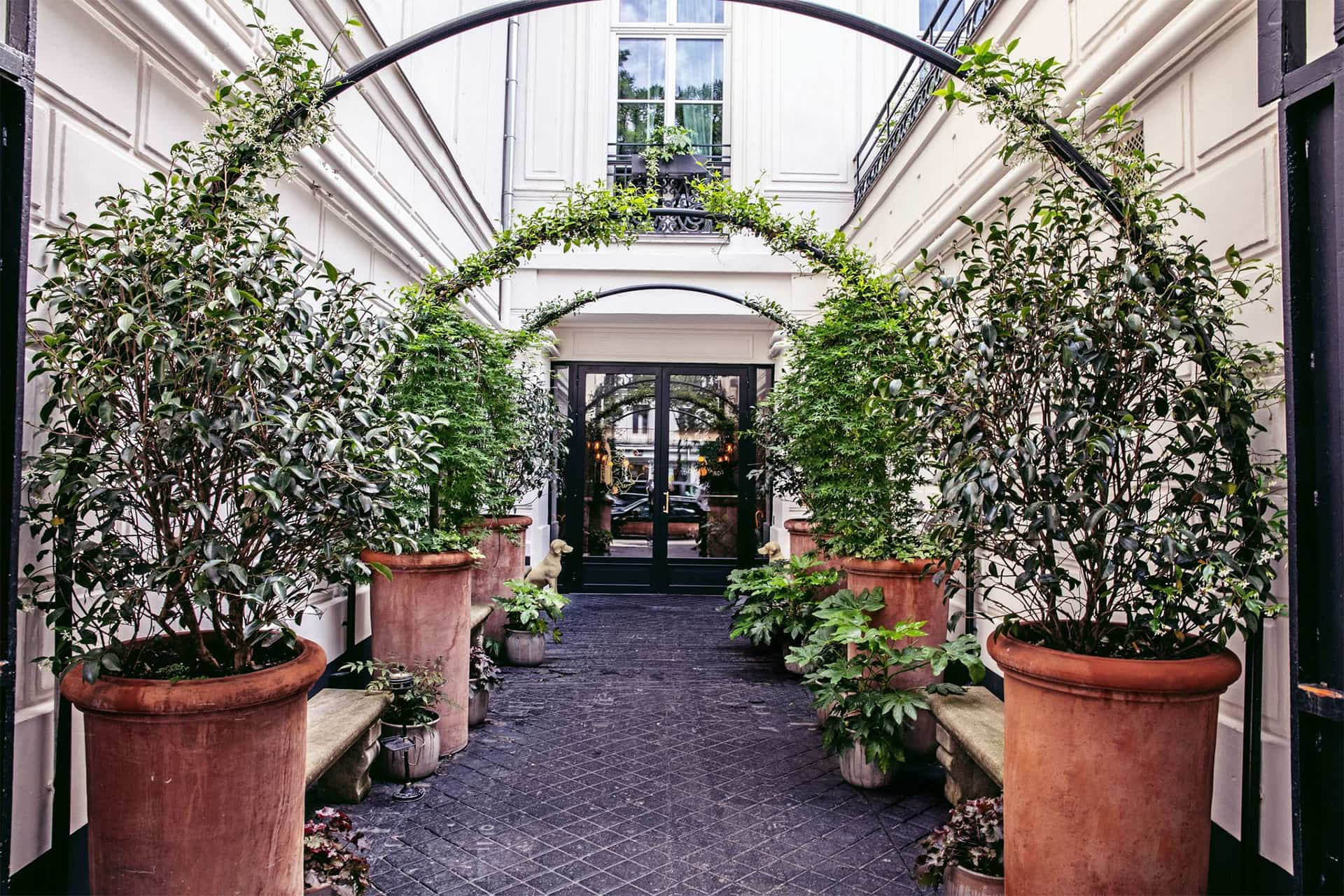 Entrée hôtel des grands boulevards paris