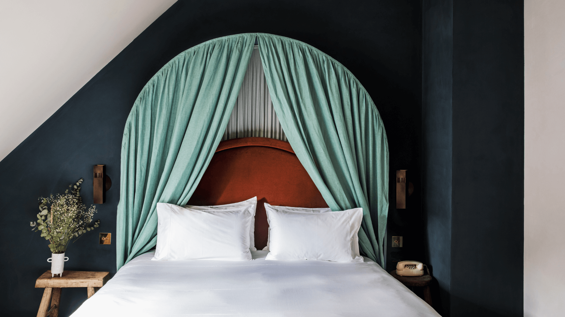 room parisian eaves hôtel des grands boulevards paris