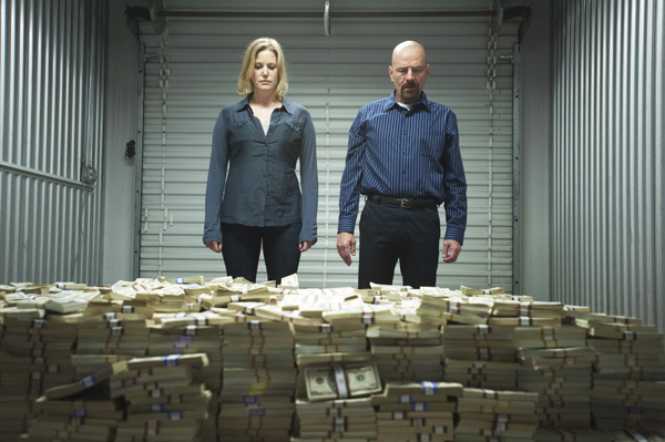 Photo of Skyler and Walt in front of millions in cash