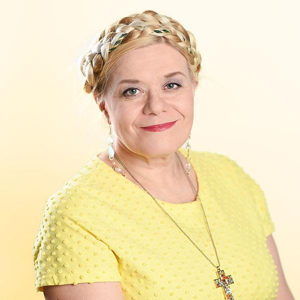 Heli Karhumäki, Sana-lehden päätoimittaja, Design Marianne valokuvaus, studiokuvaus