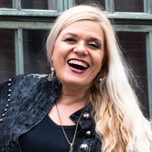 Heli Karhumäki, Sana-lehden päätoimittaja,, Design Marianne valokuvaus