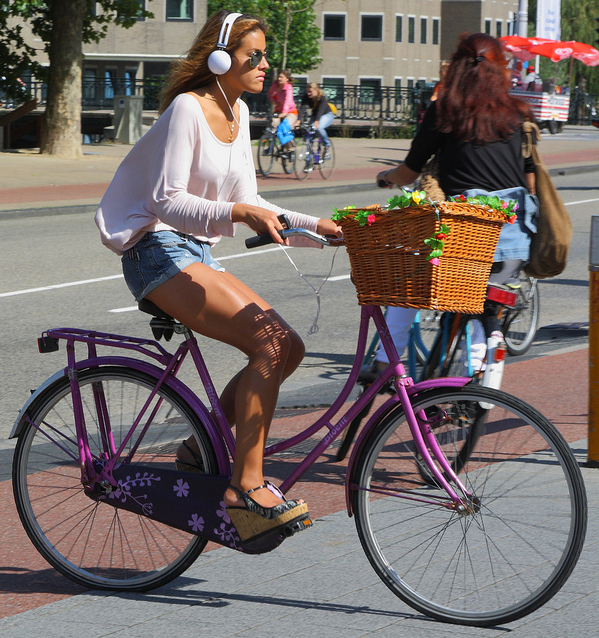Bicycle Headphones - Are they Safe and Legal?
