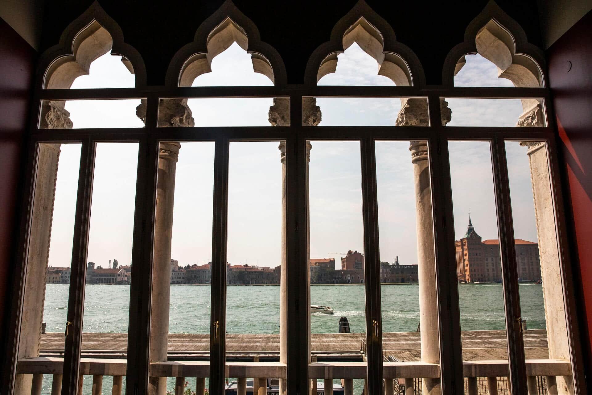 windows il palazzo experimental venice