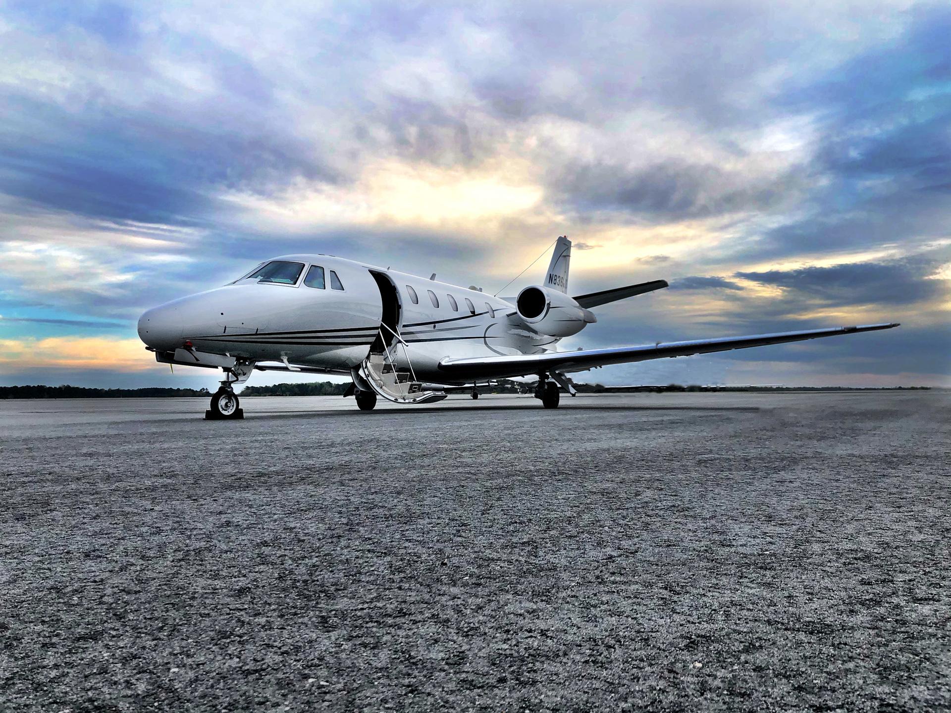 Charter Airline Jobs   flyExclusive
