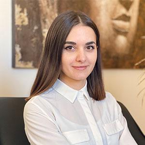 Headshot of Alina Oliinyk