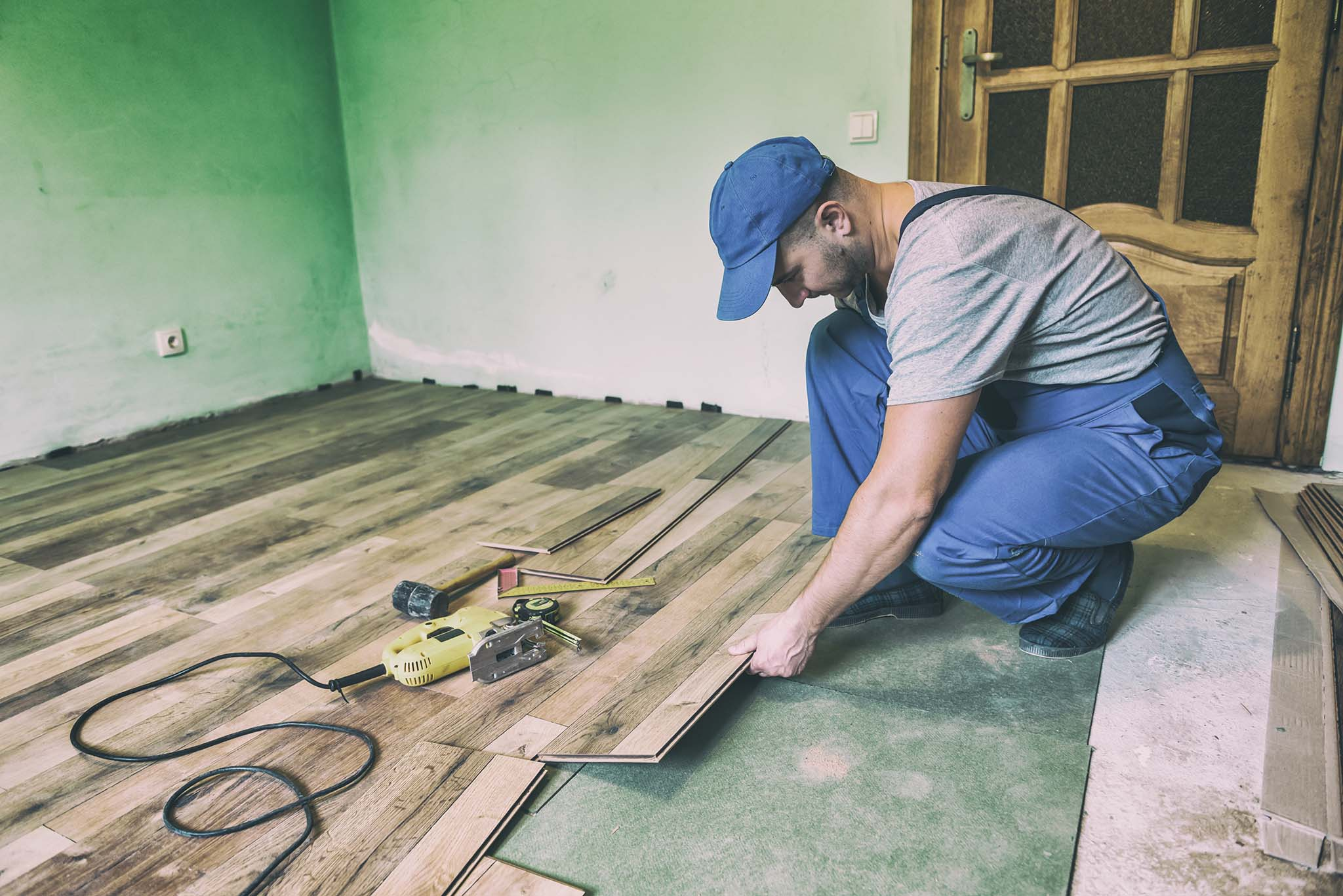 Laminate, Wood Flooring, & Hardwood Floors