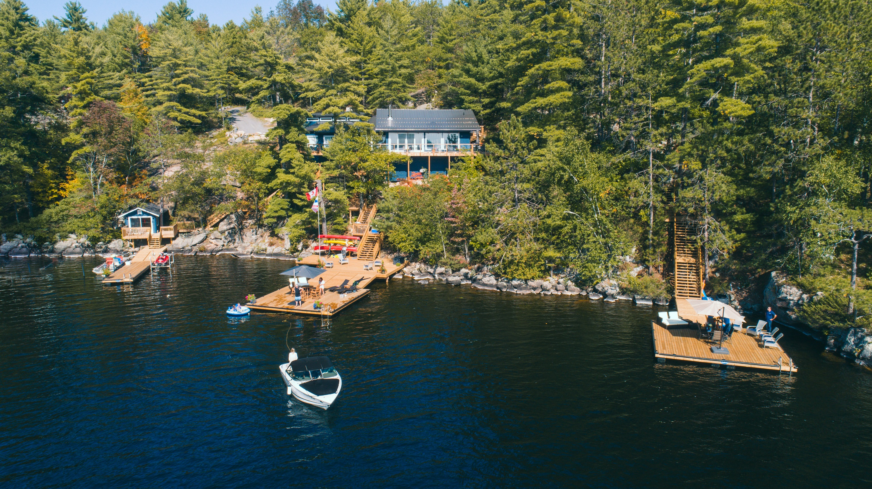 Lake Muskoka - SW Family Cottage offering with Traditional Flair & Contemporary Muskoka design