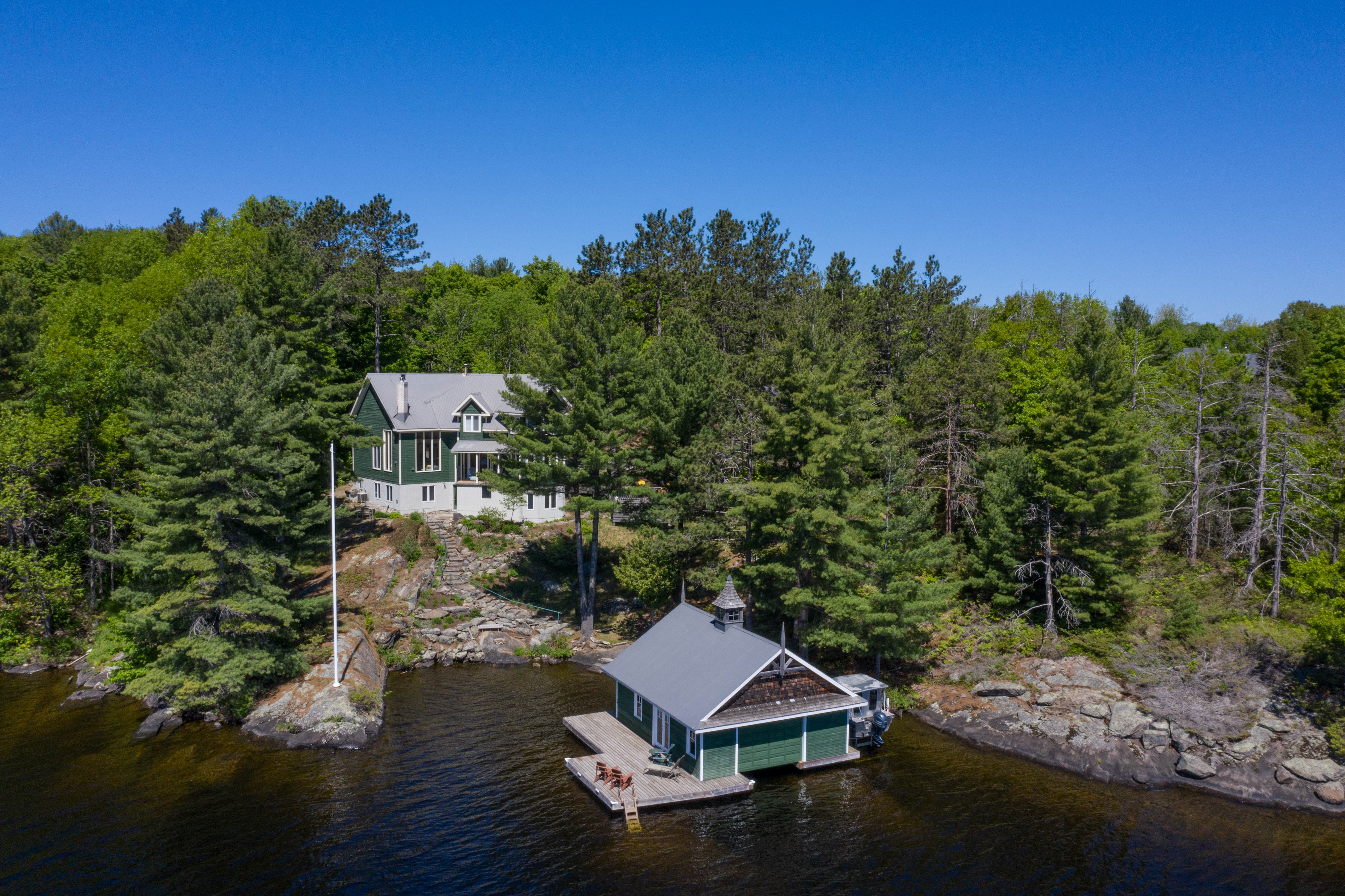Lake Muskoka - Best of the Best for Views, Privacy & Topography along Scarcliffe Shores