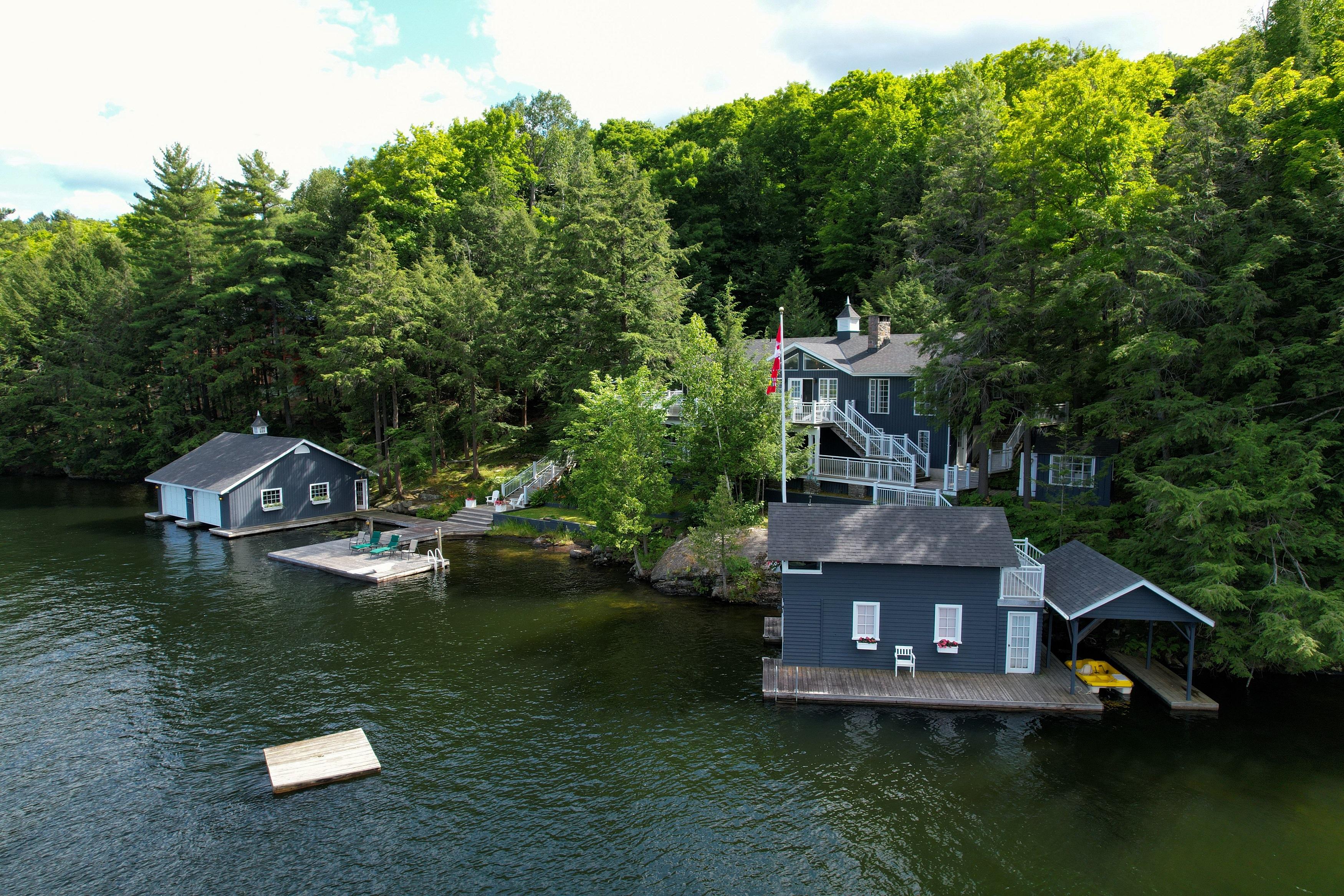 Lake Rosseau - Lake Rosseau Splendour in the Heart of Port Sandfield