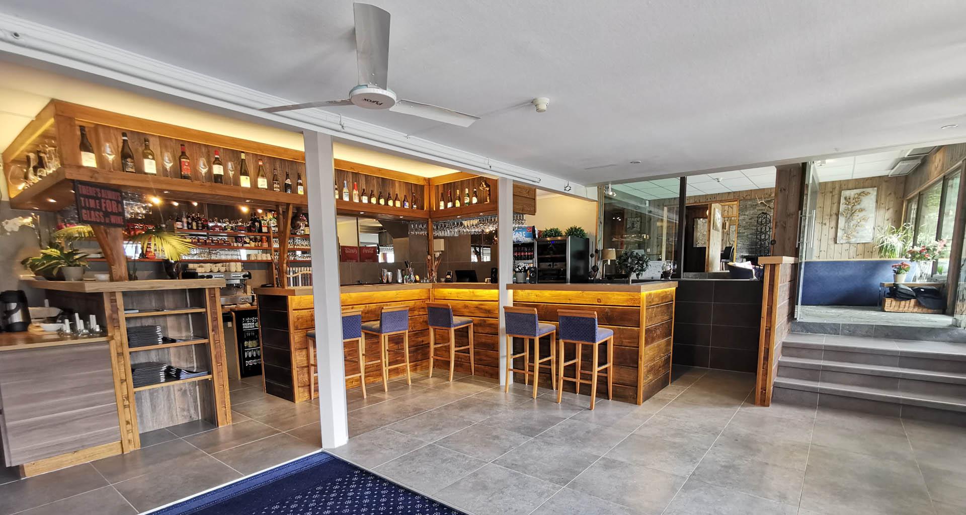 Strand Fjord Pub & Bar