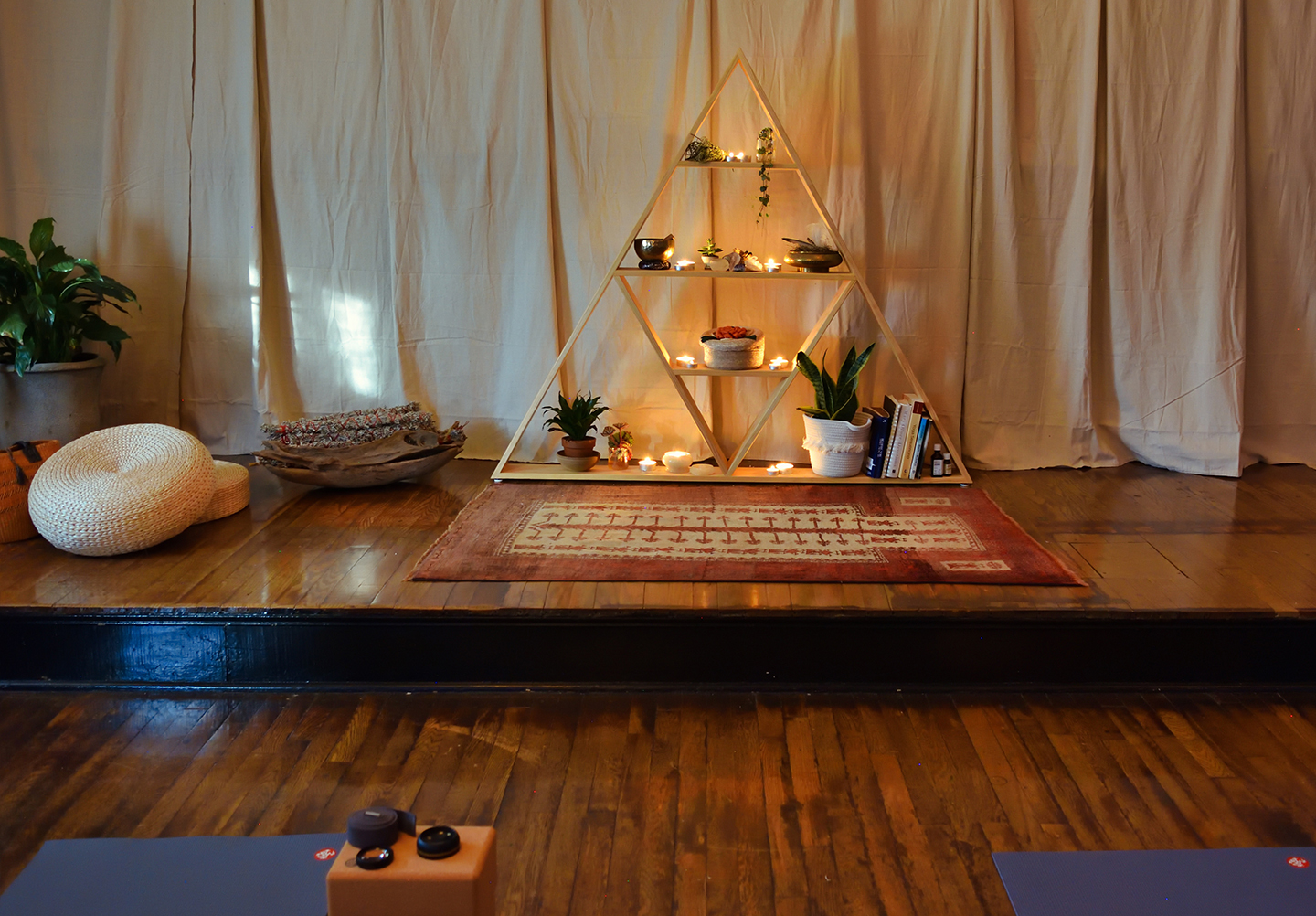 Ginkgo Yoga and Wellness Alter