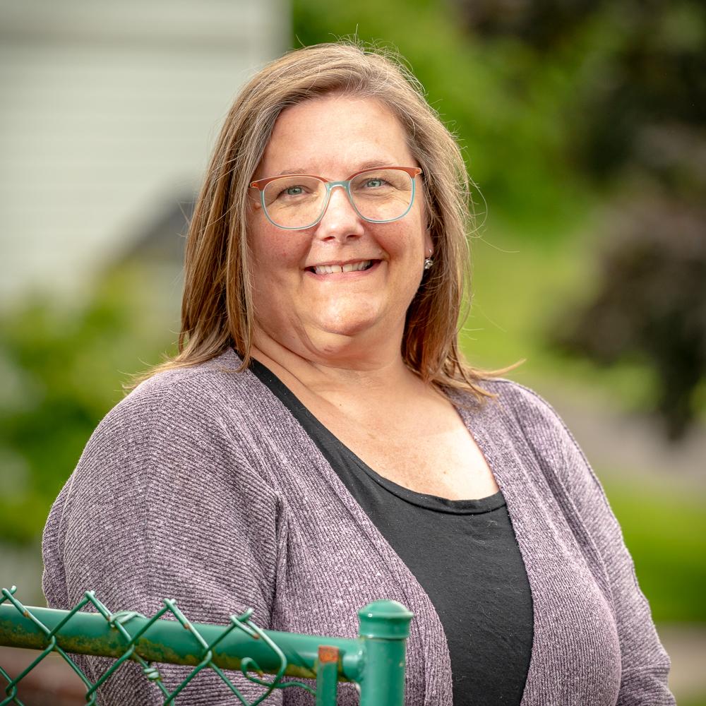Jennifer Holm