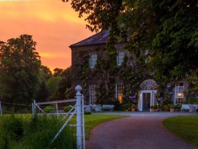 Mid-Week TWO Night Bed & Full Irish Breakfast & Dinner on One Evening - Low Season