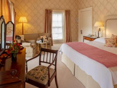 Weekend TWO Night Bed & Full Irish Breakfast & Dinner on One Evening - Low Season