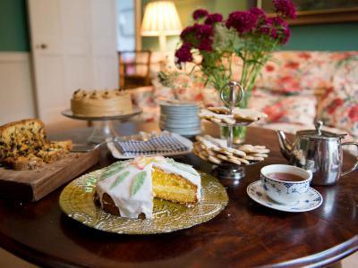 Mid-Week TWO Night Bed & Full Irish Breakfast & Dinner on One Evening - High Season