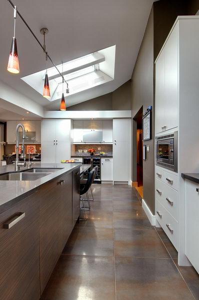 Design & Renovate Project: Ridgewood Ultra Modern Kitchen - Kitchen Island With Pendant Lights