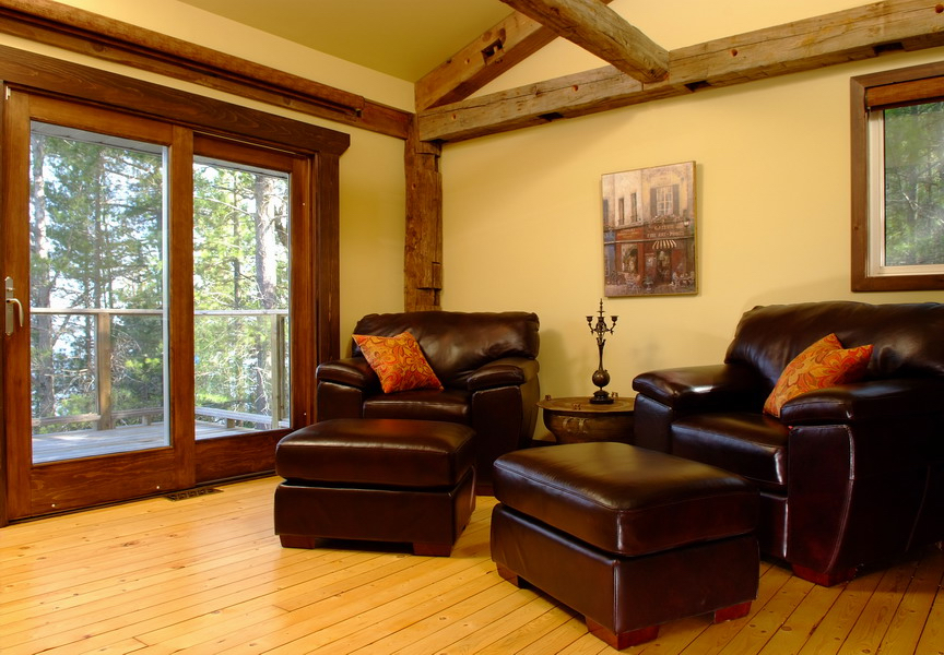 Design & Renovate Project: Mississagua Lake - Bedroom With Chairs