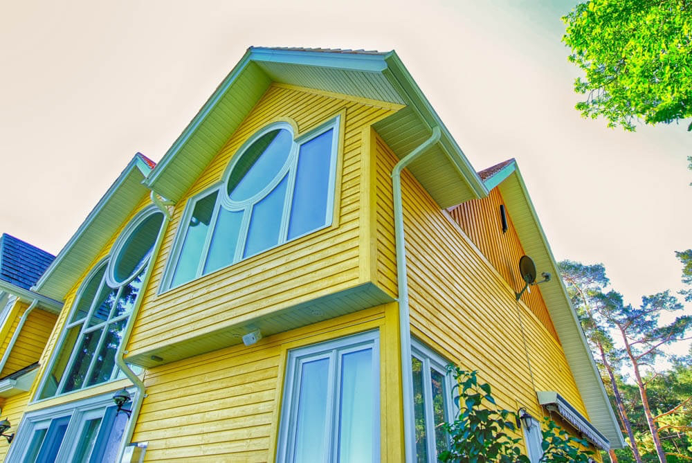 Design & Build Project: Young's Point - Yellow Home