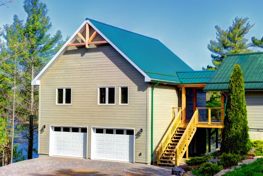 Design & Build Project: Mississauga Lake Addition - Exterior Front View of Garage