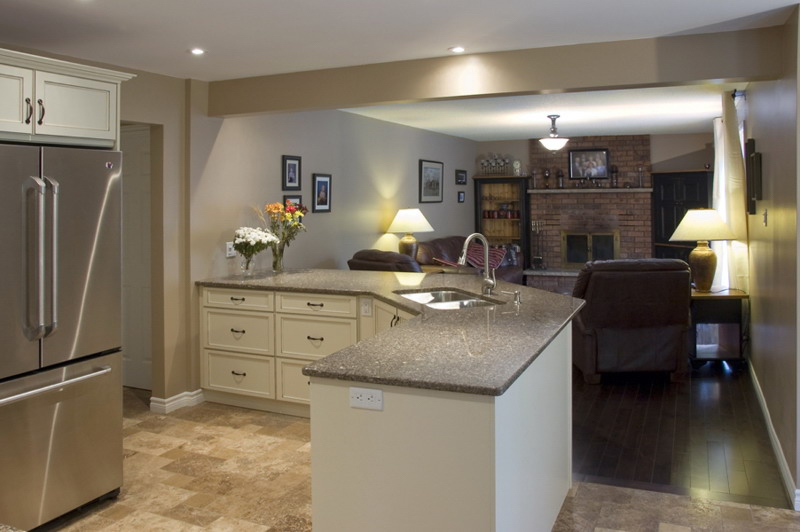 Kitchen Design & Renovate Project: Summit Custom Kitchen - Kitchen Looking Into Family Room