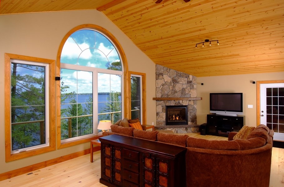 Design & Build Project: Mississauga Lake Addition - Room Overlooking Lake