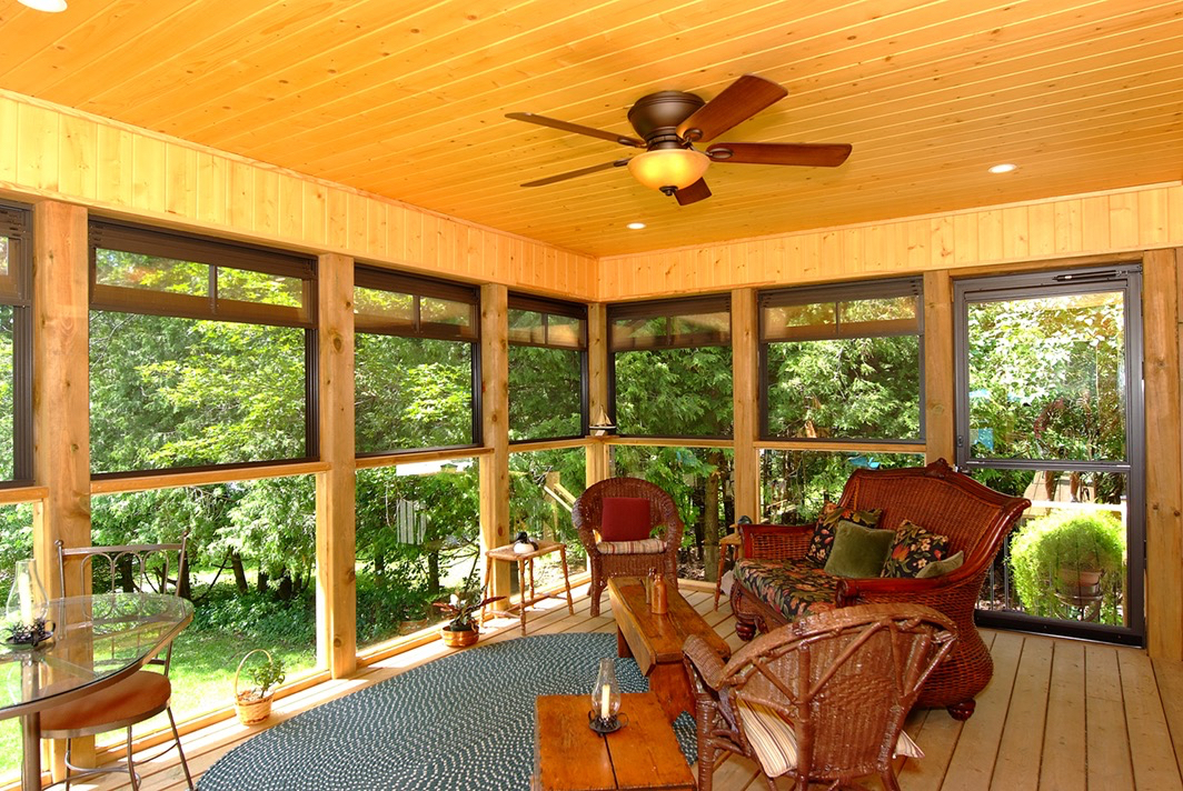 Design & Build Project: Multipurpose Entertainment - Sunroom With Fan