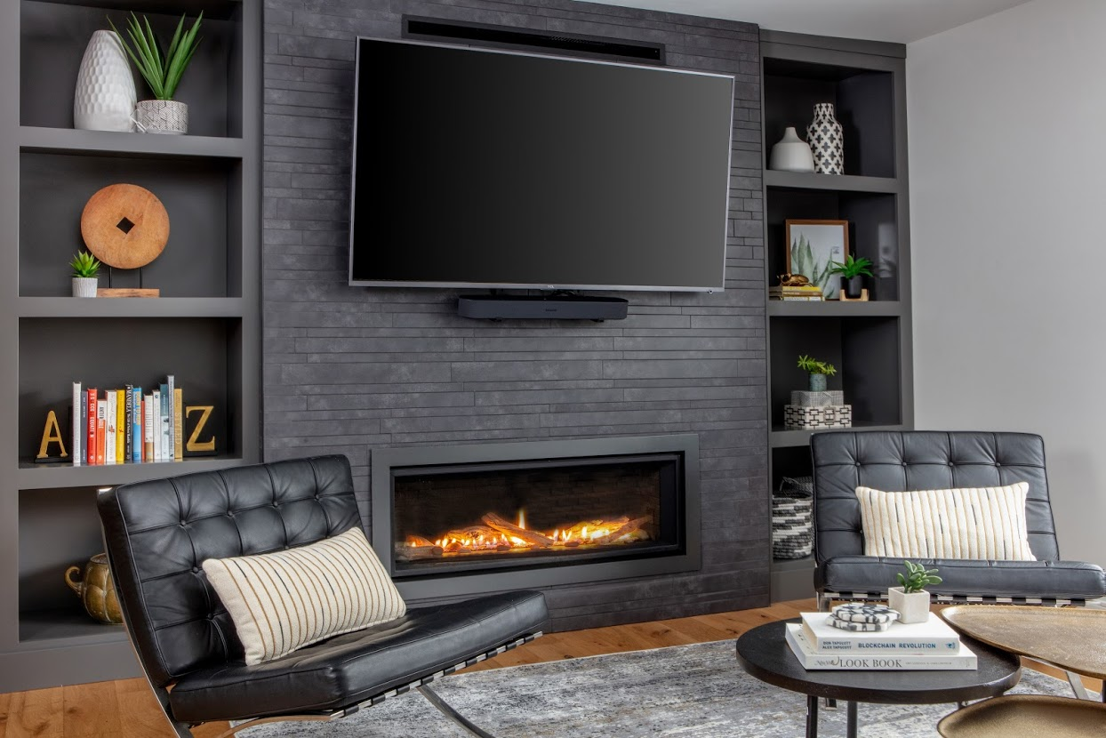 Built-in Wall Unit With Fireplace