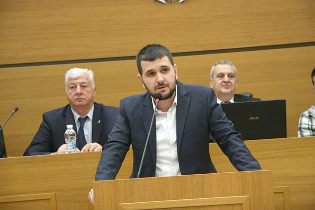 Йордан Иванов на трибуната