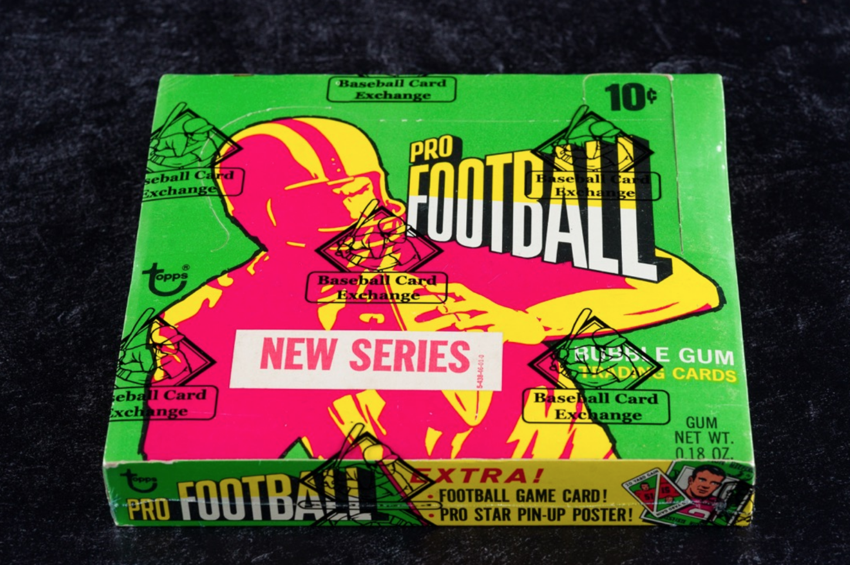 1971 Topps Football Series 2 Sealed Wax Box (BBCE Auth)