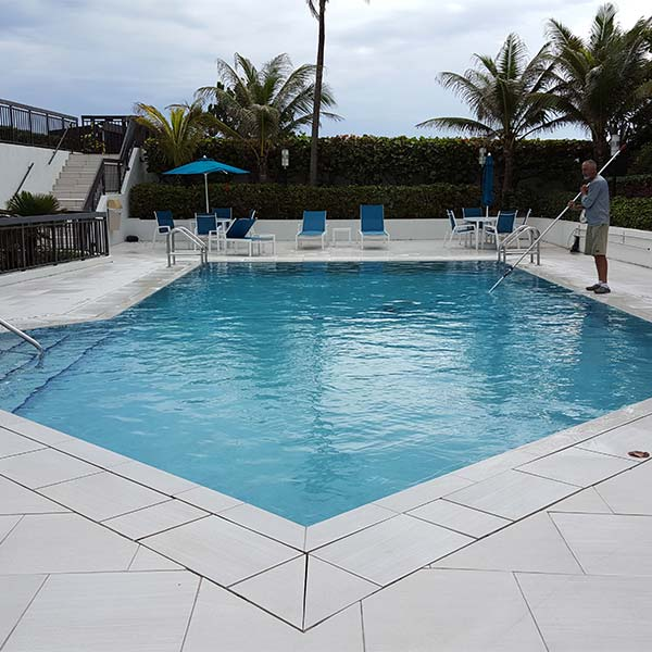 Pool cleaning in Boca Raton