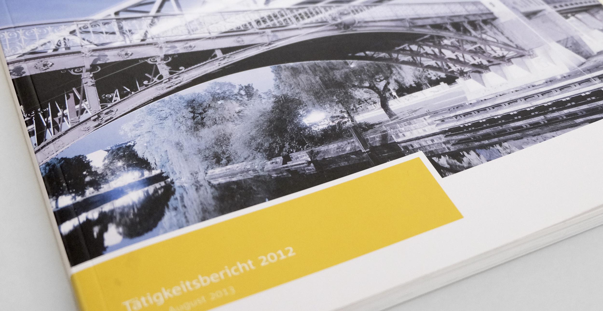 Foto einer Titelseite des Ombudsmannberichtes