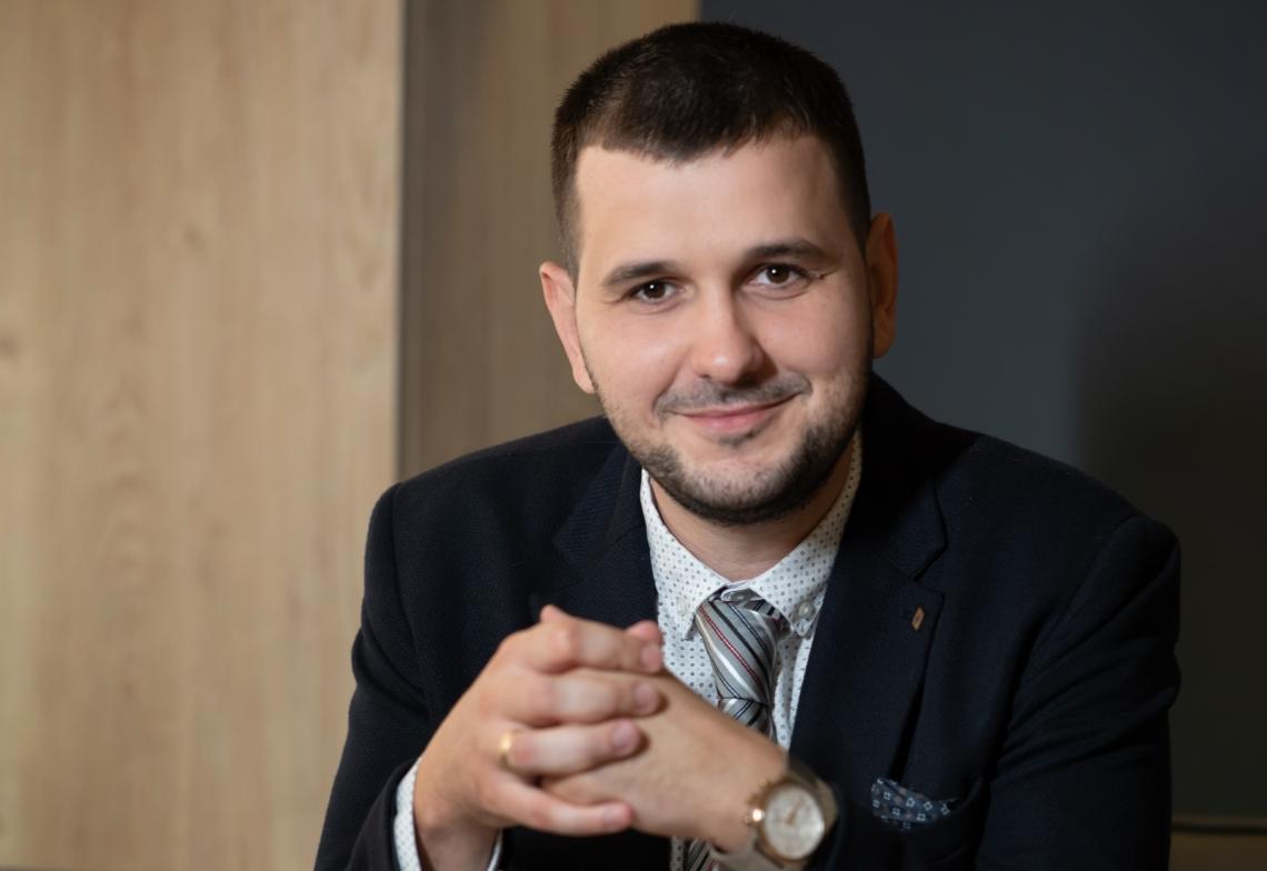 Йордан Иванов пред ПОД ТЕПЕТО: Само десните могат да наложат прозрачно управление и електронна администрация