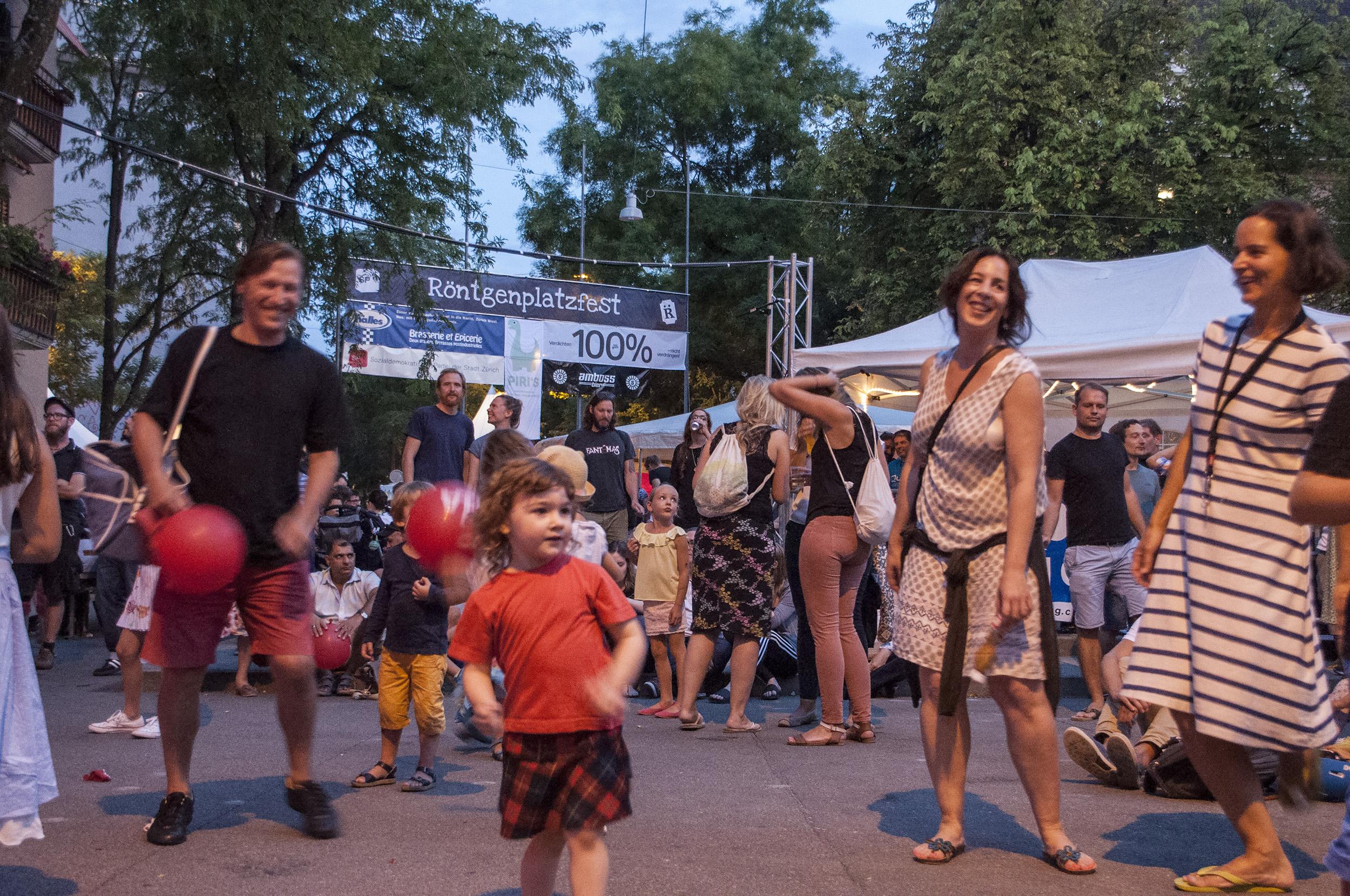 Tanzen am Fest
