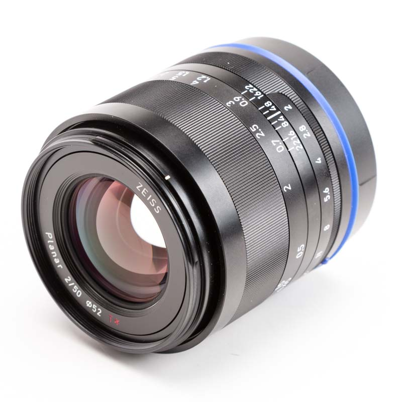 Zeiss - Loxia 50mm f/2.0