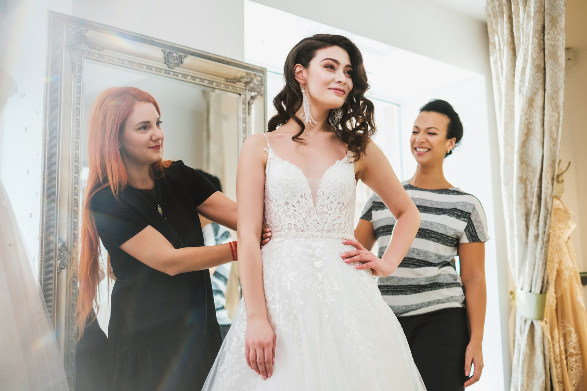 How Many People Should You Bring to Your Bridal Appointment?