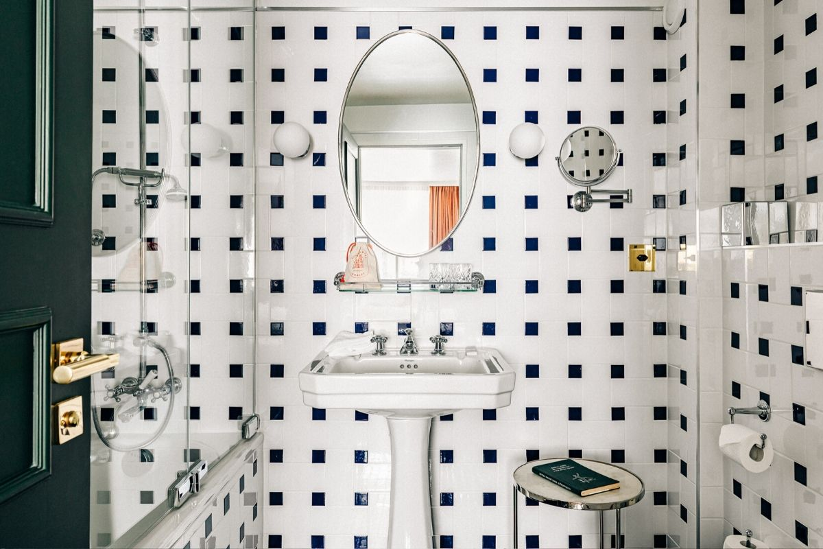 Bathroom Superior Room Experimental Chalet Hotel Verbier