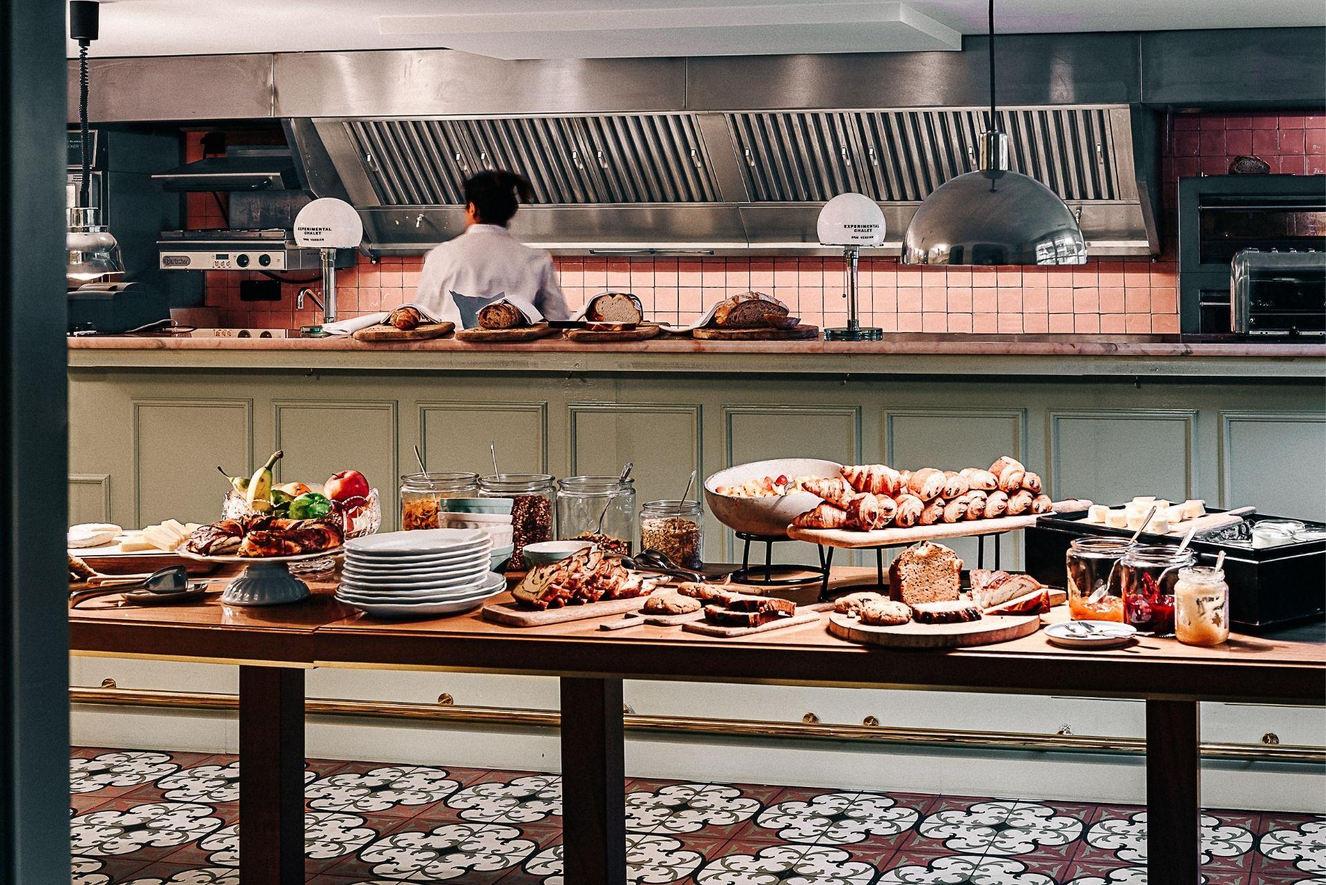 Buffet Experimental Chalet Hotel Verbier