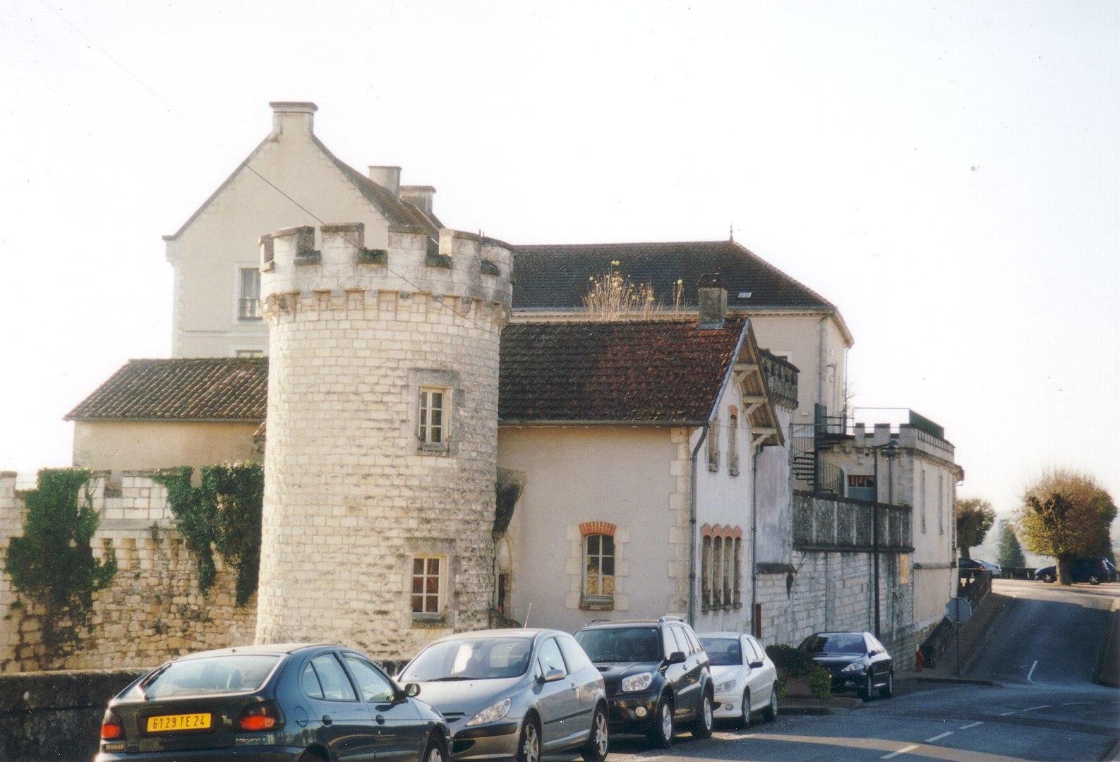 medieval house - nontron