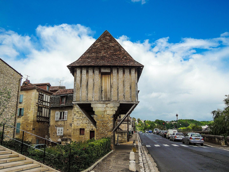 strange medieval house - Perigueux