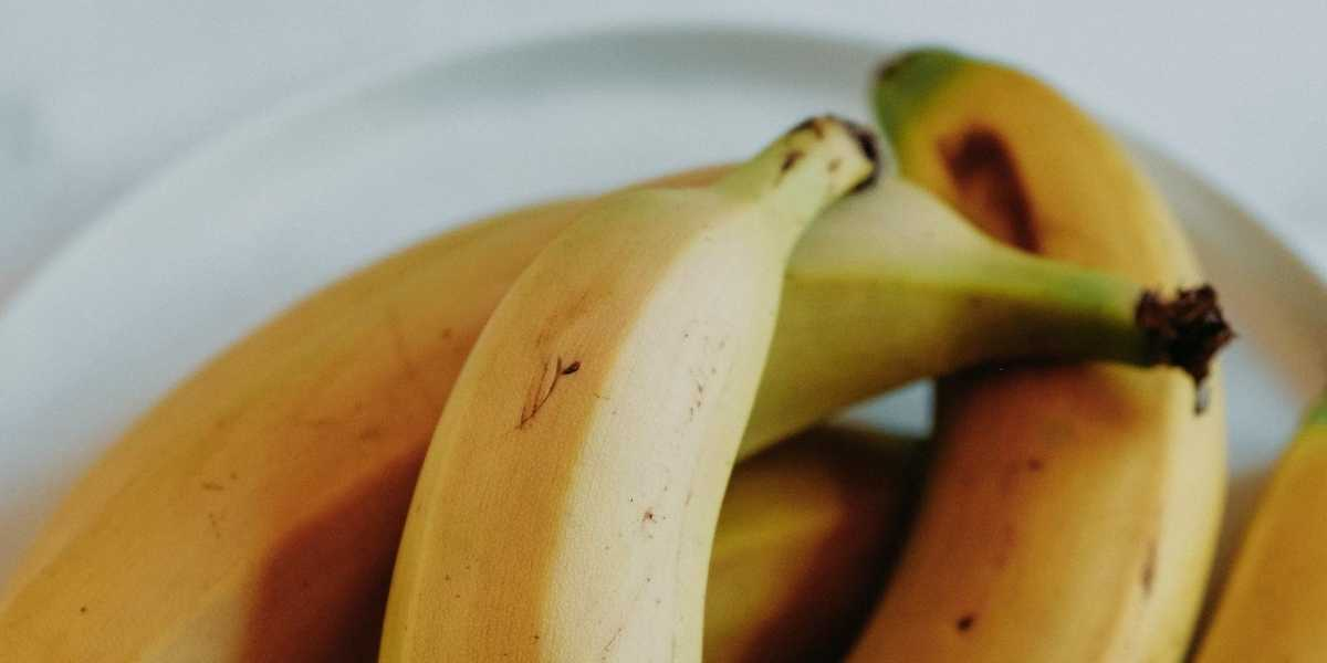 Is eating a banana really the same as six spoons of sugar? Here's what our science says