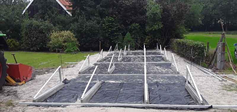 Voorbereiding aanleg zonnepanelen veld