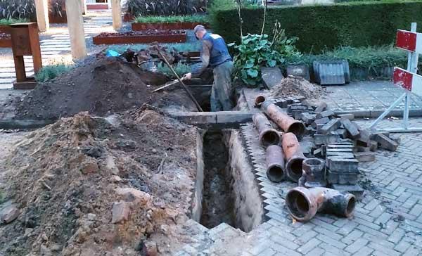 opgebroken straat ivm rioolwerkzaamheden