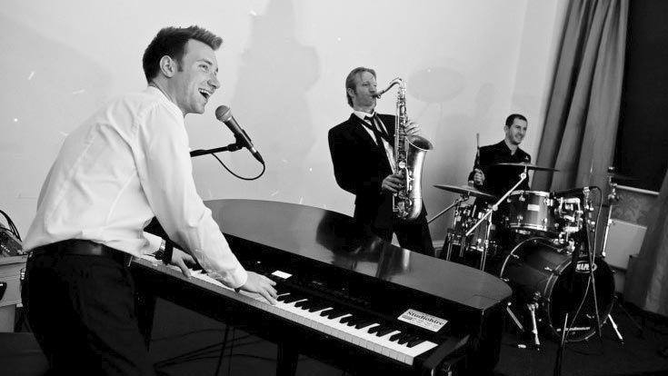 Carl Sinclair Live Music for Weddings and Parties