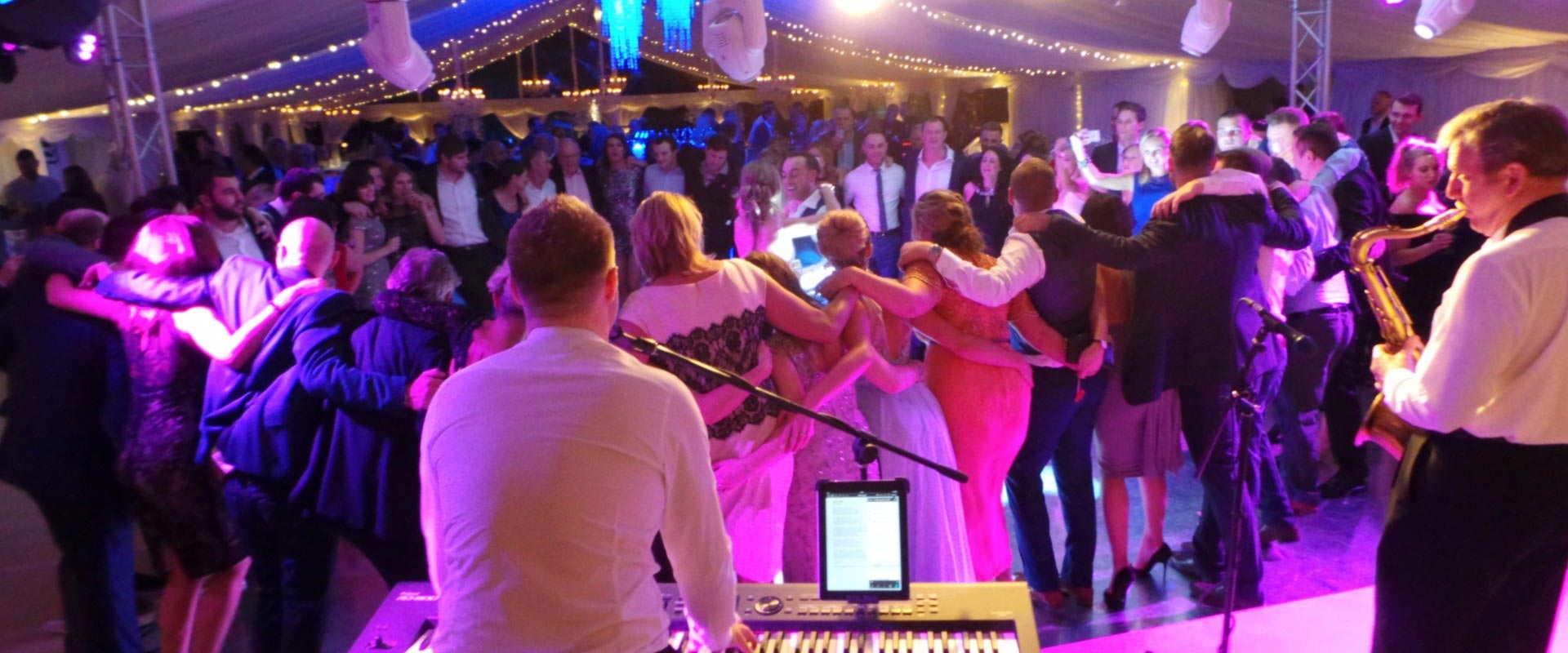 Wedding Band Warwickshire - Carl Sinclair