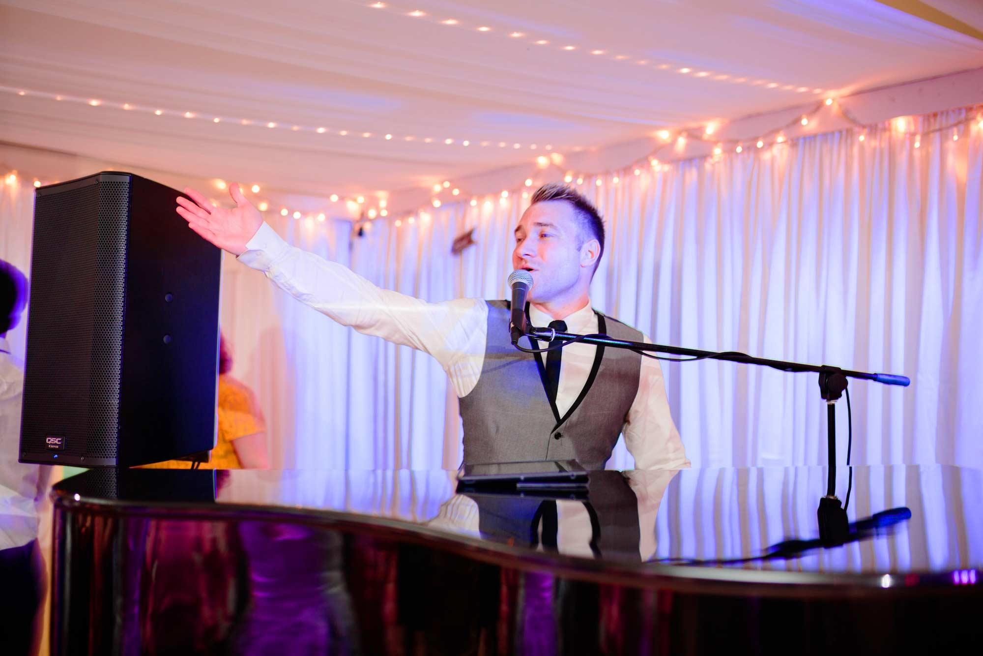 Wedding Band West Midlands - Carl Sinclair
