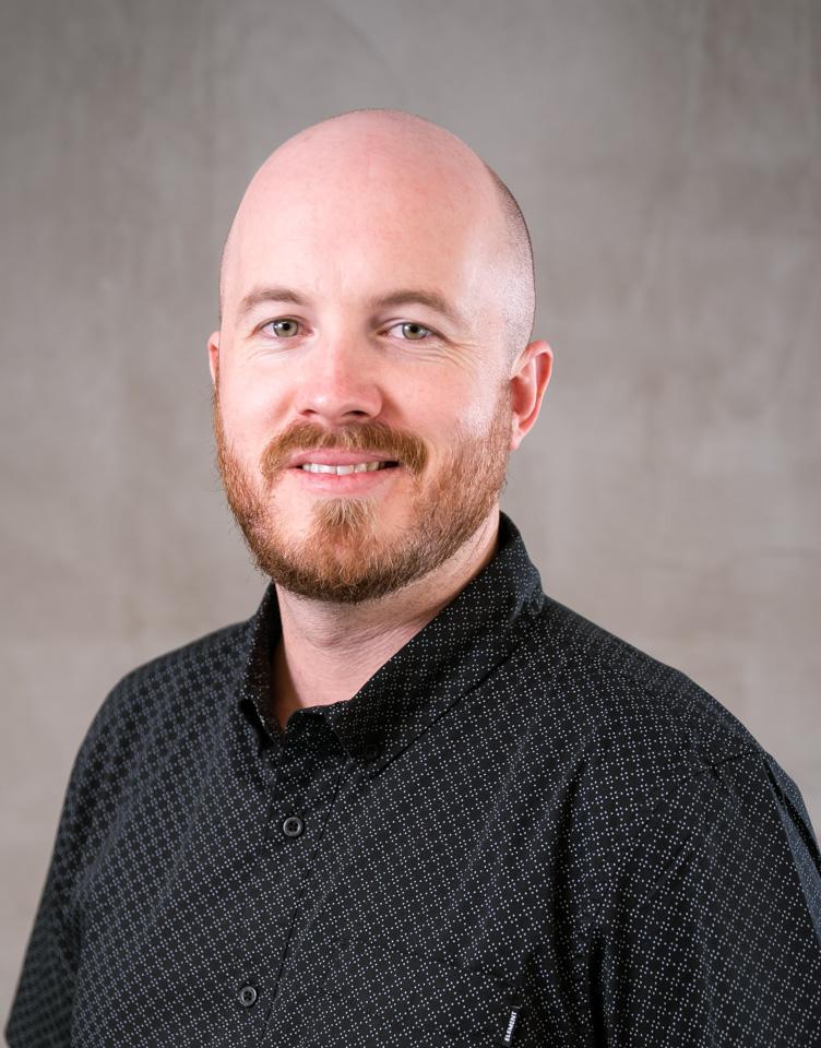 Daniel Kelly (DK)