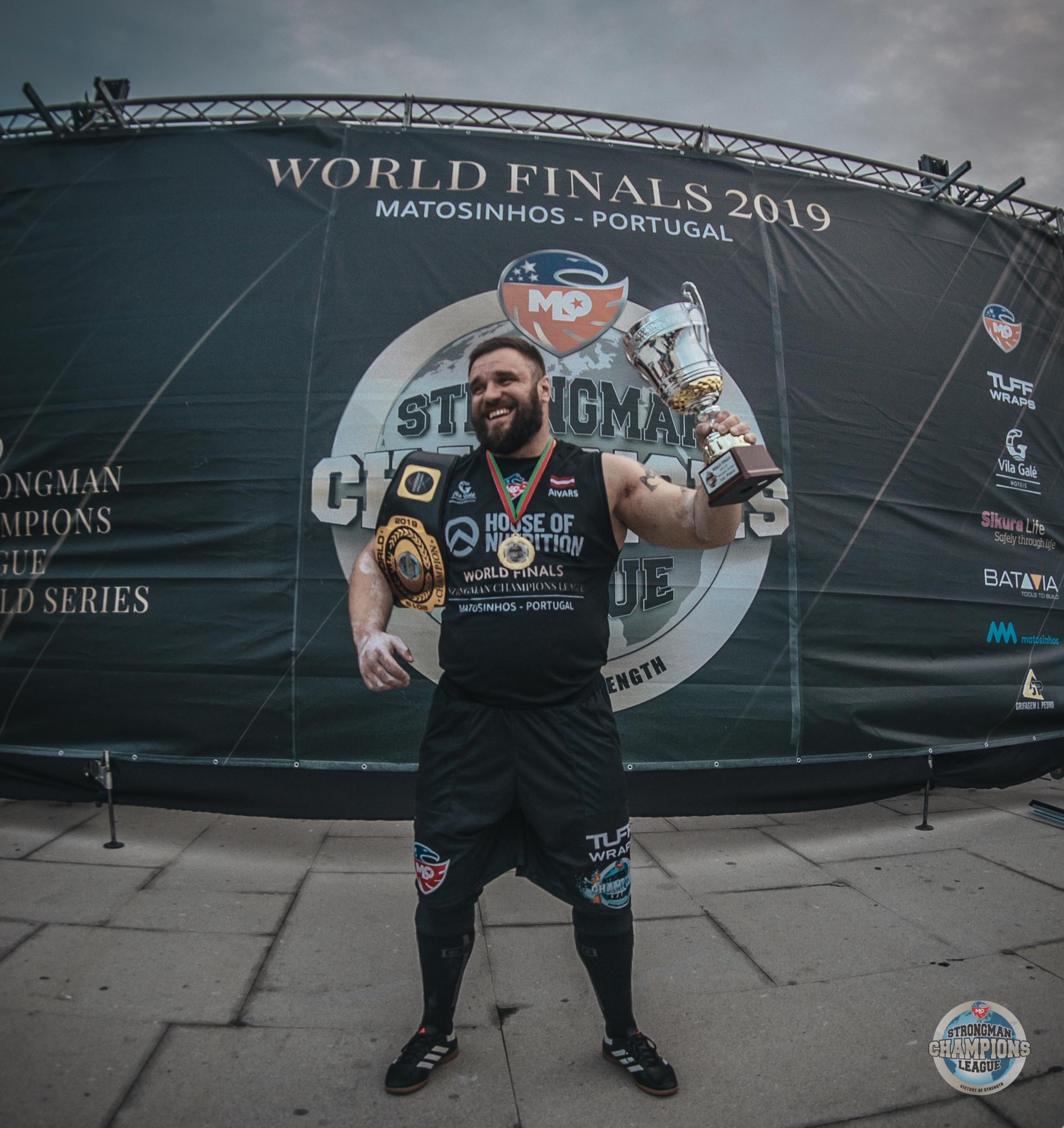 Victorious Aivars Smaukstelis is crowned as the new overall champion in MLO SCL World Finals 2019